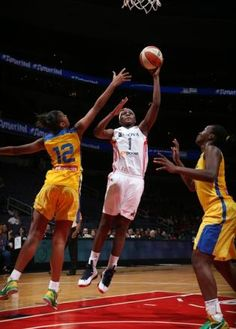 Crystal Langhorne gets to the hoop against the Brazilian National Team