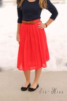 Pleated Skirt with Pockets- Red
