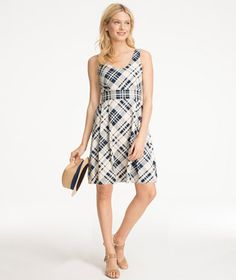 Stretch Cotton V-Neck Dress – Classic sleeveless silhouette with a V-neckline at front and back.
