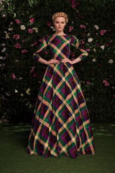 Muslin Cotton Multi Color Digital Printed Anarkali Ready to Wear Gown Striped Maxi Dresses, Modest Dresses, Pretty Dresses, Beautiful Dresses, Modest Fashion, Hijab Fashion, Fashion Dresses, Tartan Fashion, Shorts Longs