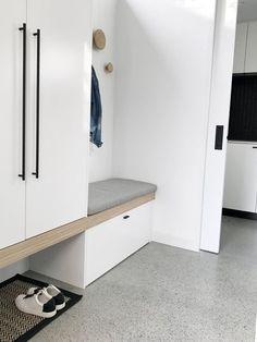 깔끔하고 실용적인 현관 인테리어 : 네이버 블로그 Entryway, Cabinet, Storage, Furniture, Home Decor, Entrance, Clothes Stand, Purse Storage, Decoration Home