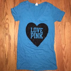 VS PINK sleep tee VS PINK Never worn- excellent condition ( has been sitting in my closet so it just needs to be ironed lol) blue/ black sparkle heart sleep tee but could be worn out as tee shirt! Size small but runs big so it could fit Sm/ Md PINK Victoria's Secret Tops Tees - Short Sleeve