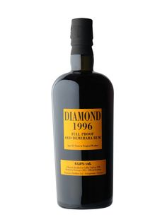 Diamond 1996 : cask-strength, un-filtered rum produced from the famous Diamond stills before their move to the Demerara Distillers Limited distillery in Georgetown British Guyana and bottled by Italian importers Velier