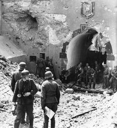 May 1940 - Germans invade Belgium - German soldiers at the gate of Fort de Boncelles