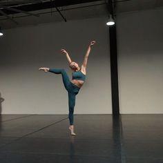 Contemporary Dance Songs, Contemporary Dance Photography, Dance Photography Poses, Dance Poses, Modern Dance, Dance Picture Poses, Autumn Miller, Jazz Dance, Dance Art