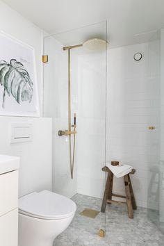 Bathtub, Vanity, Helsinki, Bathroom Ideas, Home, Standing Bath, Dressing Tables, Bathtubs, Powder Room
