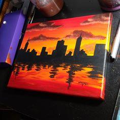 New Painting Sunset City Ideas Drawing Sunset, City Drawing, Skyline Painting, City Painting, Simple Acrylic Paintings, Acrylic Painting Canvas, Polygon Art, Mini Canvas Art, Indian Art Paintings