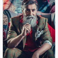 Merry Xsmas @69drops (Nunzio Prenna) for Canary Wharf campaign. Stylism @effortmade make up @staceylaceymua. #canarywharfchristmas #xmas #santa #model #gentleman #dandy #barber #beardmodel #barbershop #lhommeideal #style #follow4follow #beard #smart #badass_beards #beardandcompany #Beardlov3 #beard4all #beardedlifestyle #beardlovers_ #labbarba #Thebeardedchap #beard_care #Labarbieredeparis #beardedlifeco #beardedvillains #tattoo #beardandtattoos.