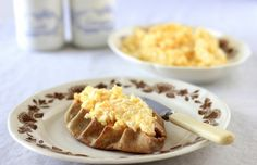 Karjalapiirakka - Finnish Karelian Pies (with egg butter, one of my favorite Finnish treats!)