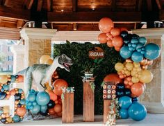 Dinosaur Birthday Party, Baby Birthday, Birthday Parties, Party Central, Summer Parties, Party Drinks, Balloons, Jurassic Park, Halloween