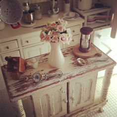 It's a Miniature Life by Kim Saulter http://kimsminiatures.blogspot.com/  Dollhouse miniature kitchen 1:12 scale