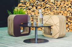 Kartoons, a sustainable lifestyle design company that I came across in the market in Prague. Interior Styling, Interior Design, Cardboard Furniture, Beautiful Buildings, Sustainability, Garden Design, Design Inspiration, Lifestyle, The Originals