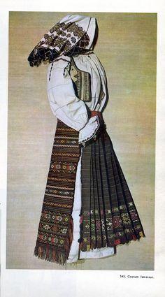 Valea Jiului, Hunedoara, Transilvania Folk Costume, Costumes, Folk Embroidery, Popular, Anime, Inspiration, Art, Fashion, Folklore