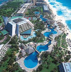 Where Dillon and I stayed on our Honeymoon. Grand Oasis Resort, Cancun- Mexico :)