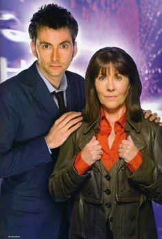Ten and Sarah Jane Doctor Who Cast, All Doctor Who, Doctor Who Episodes, Doctor Who Funny, Classic Doctor Who, Doctor Who Convention, Country Engagement, Engagement Pictures, Engagement Shoots