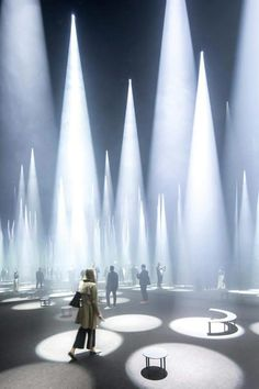 """Sou Fujimoto Installs a """"Forest of Light"""" for COS at 2016 Salone del Mobile Ph. , Sou Fujimoto Installs a """"Forest of Light"""" for COS at 2016 Salone del Mobile Photographer Laurian Ghinitoiu has captured the collaboration of the Swedi. Sou Fujimoto, Light Art Installation, Art Installations, Design Set, Stage Design, Stage Lighting Design, Modern Design, Chandelier Lighting, Classification Des Arts"""