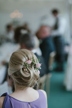 Bridesmaid Hair Flowers Style Pastel Summer Marquee Country Estate Wedding http://www.rooftopmosaic.com/