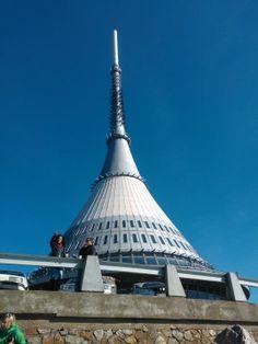 Vysílač Ještěd ve městě Liberec