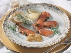 Gebeizte Lachsforelle mit Senfcreme ist ein Rezept mit frischen Zutaten aus der Kategorie Fisch. Probieren Sie dieses und weitere Rezepte von EAT SMARTER!