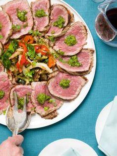 Geschroeide carpaccio gemarineerd in verse kruiden met gegrilde groentesalade | Spar