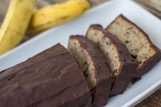 Banana Cake with Chocolate, easy and very delicious recipe Baking Recipes, Dessert Recipes, Desserts, Nordic Recipe, Fruit Bread, Cake Cover, Little Cakes, Easy Food To Make, Cake Creations