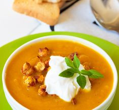 [ Carrot Soup With Baked Chickpeas Carrot Soup, I Foods, Crackers, Thai Red Curry, Basil, Carrots, Food And Drink, Healthy Eating, Vegetarian
