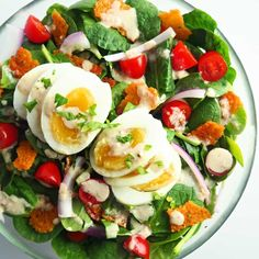 This delicious spinach bacon salad recipe is brimming with crunchy cheddar cheese crisps, crisp spinach, juicy tomatoes, and smoky bacon dijon dressing. Bacon Spinach Salad, Spinach Salad Recipes, Spinach Pie, Creamed Spinach, Broccoli Salad, Salad Recipes Low Carb, Healthy Dinner Recipes, Keto Recipes, Free Recipes