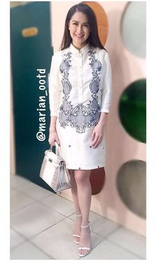 Lucy Torres wears Richard Gomez's barong at SONA Modern Filipiniana Dress, Filipiniana Wedding, Barong Tagalog For Women, Civil Wedding Dresses, Sunday Dress, Fashion Vocabulary, Traditional Dresses, Cute Dresses, Designer Dresses
