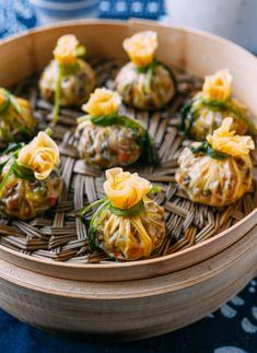 Vegetarian Recipes, Soup Recipes, Steamed Dumplings, Dumpling Soup, Vietnam, New Years Appetizers, Wok Of Life, Dumpling Wrappers, Kitchens