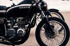 """beardbrand: """"A Honda in black """" Vintage Cafe Racer, Vintage Bikes, Honda Motorcycles, Custom Motorcycles, Custom Bikes, Moto Cafe, Cafe Racer Motorcycle, Women Motorcycle, Vespa"""