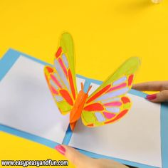 Surprise your loved one with a DIY butterfly pop up card! You can easily make your own by using our printable template. crafts videos DIY Butterfly Pop Up Card with a Template Kids Crafts, Easter Crafts, Diy And Crafts, Card Crafts, Decor Crafts, Tree Crafts, Pot Mason Diy, Mason Jar Crafts, Diy Papillon