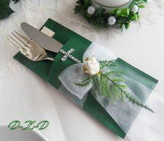 Geben Sie Ihrer Festtafel durch diese hübsche Servietten und Bestecktasche ein außergewöhnliches Flair. Sie gehört zu einem perfekt gedeckten Tisch, genauso ,wie die passende Tischdecke und...