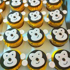 Mod monkey birthday cupcakes