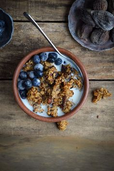 You Have Meals Poisoning More Normally Than You're Thinking That Dried Fig, Millet, And Flaxseed Granola Fast Healthy Meals, Easy Healthy Recipes, Whole Food Recipes, Eating Healthy, Quick Recipes, Healthy Treats, Healthy Food, Healthy Living, Breakfast Food List