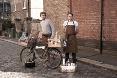 The Travelling Gin Co. - Londen, UK. Serving up G&T's straight from a bicycle http://www.thetravellingginco.com