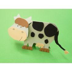 Mit Bastelpapier eine Kuh basteln | Die Bastelanleitung gibts gratis.