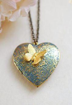 Heart Locket Necklace, Butterfly Locket, Verdigris Blue Gold Locket, Butterfly Necklace, Personalized Gift for Mom Wife Daughter Girlfriend – Jewelry Heart Locket Necklace, Gold Locket, Locket Bracelet, Silver Lockets, Locket Charms, Vintage Locket Necklace, Mother Necklace, Cute Jewelry, Vintage Jewelry