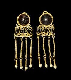 Roman Gold Filigree Earrings with Cabochon Garnets and Nacre Drops, 2nd century A.D.