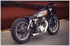 Philippe Lagente's '81 Yamaha SR500 Brat - Pipeburn - Purveyors of Classic Motorcycles, Cafe Racers Custom motorbikes