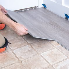Learn how to install vinyl plank flooring as a beginner. This video tutorial shows Lifeproof vinly plank flooring installation with tips and tricks for the newbie. This is the perfect DIY flooring upgrade for your kitchen, bathroom or laundry room since Installing Vinyl Plank Flooring, Diy Flooring, Inexpensive Flooring, Kitchen Laminate Flooring, Linoleum Flooring Bathroom, Cheap Flooring Ideas Diy, Cheap Remodeling Ideas, Waterproof Bathroom Flooring, Laminate Flooring Basement