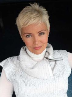 Quick hairstyles for short hair and older women - Cool & Trendy Short Hairstyles 2017