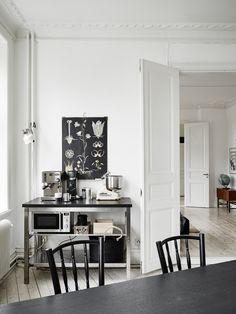 Kitchen. Gothenburg flat from early 20th century. Photo by Jonas Berg for Stadshem.