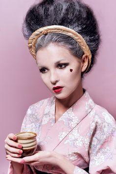 [Portrait by SAKAartisan] Ukiyoe  photographer Jaroscha Jaroscha stylist Zoya Prosekova model Veronika Paireli Make-up artist Kitty Kittiya Anjimakorn