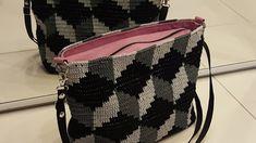 Virkkurin kuosikalenteri - maaliskuu - virkattu laukku Fanny Pack, Bags, Fashion, Hip Bag, Handbags, Moda, Fashion Styles, Taschen, Fasion