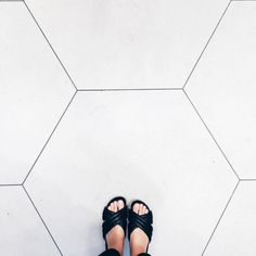 BATHROOMS / MUDROOM / BASEMENT ENTRY: Love these tiles. Scale may be too much though but they're beautiful.