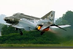 """Luftwaffe recon Phantom. Last of Germany's fleet will be retired on 29 June 2013.The F-4F """"Phantom II"""" German is a modified derivative of the F-4E in service with the U.S. Air Force, built largely by German companies under license.Luftwaffe JG 71 Richtofen , Wittmund"""