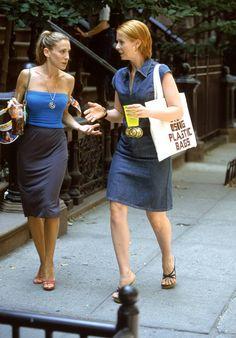 Carrie Bradshaw's 10 Favorite Fashion Trends Are Sitting at Zara fashion fail – Fashions Fashion Fail, Zara Fashion, Look Fashion, 90s Fashion, Fashion Trends, City Fashion, Workwear Fashion, Fashion Blogs, Celebrities Fashion