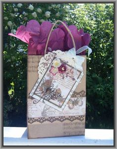 Gift Bag by Ashdale - Cards and Paper Crafts at Splitcoaststampers Decorated Gift Bags, Gift Packaging, Packaging Ideas, Craft Bags, Brown Bags, Cute Bags, Goodie Bags, Fun Projects, Gift Wrapping
