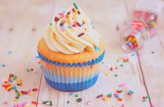 We Heart It 経由の画像 https://weheartit.com/entry/157284307 #bake #cake #colorful #colors #cream #cupcake #cute #delicious #desserts #food #foodie #inspiration #inspire #inspo #love #lovely #muffin #rainbow #sweets #table #tasty #tumblr #weheartit #yum #yummy #prettybeautiful #fosfor #tanke