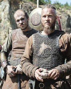 Vikings season Floki and Ragnar. If you like Ragnar Visit the link Ragnar Lothbrok Vikings, Lagertha, Vikings Tv Series, Vikings Tv Show, Viking Warrior, Viking Woman, Viking Garb, Viking Dress, Wallpaper Vikings
